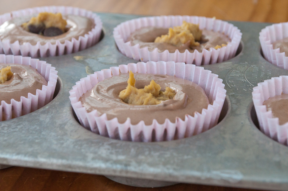 Guest Post: Nutella Cookie Dough Cupcakes from Creatlive