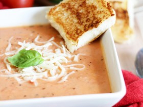 Creamy Tomato Basil Soup!... Perfect for the cooler days! It is one of my absolute favorite soups! #soup #recipe