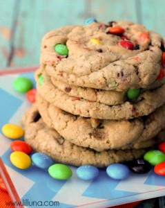Giant-Chewy-MM-Cookies-3-700x87711