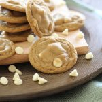 Root Beer Pudding Cookies!... These taste like a root beer float in cookie form! They are so soft and delicious! #cookie #recipe #bloggercookieexchange