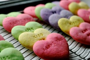 20+ Delicious and Cute Valentines Treat Ideas on www.chef-in-training.com ... This is a must see list! #recipe #dessert