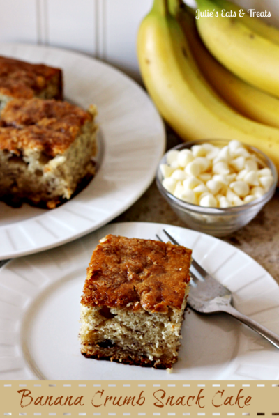 Banana-Crumb-Snack-Cake-Moist-banana-cake-full-of-white-chocolate-chips-and-topped-with-brown-sugar-via-www.julieseatsandtreats.com_