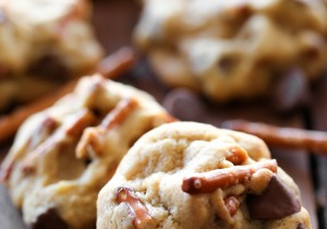 Pretzel Caramel Chocolate Chip Pudding Cookies... The perfect Salty-Sweet combo with a great blend of textures! These cookies are absolutely delicious!