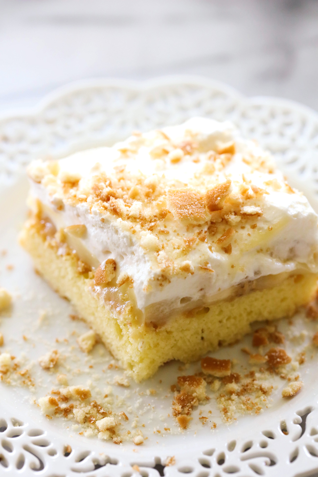 Banana Cream Pie Sheet Cake... Delicious and simple cake topped with ...