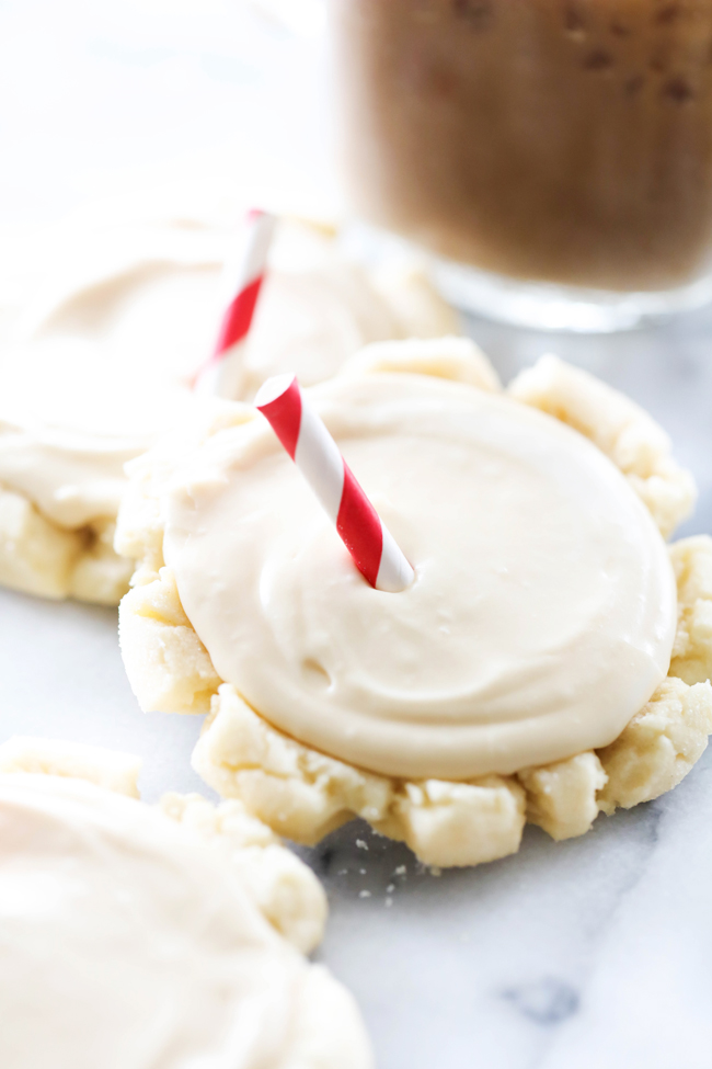 These Root Beer Float Sugar Cookies bring a summertime staple in the form of a cookie. The root beer flavor is subtle, not too powerful, but enough of a flavor to transform a simple sugar cookie into a unique treat.